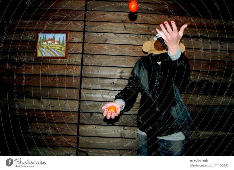 five THE SHOW Frau Mensch Hand Freude Tier Einsamkeit Haus Ferne feminin kalt Wand Holz Bewegung Gebäude Traurigkeit lustig