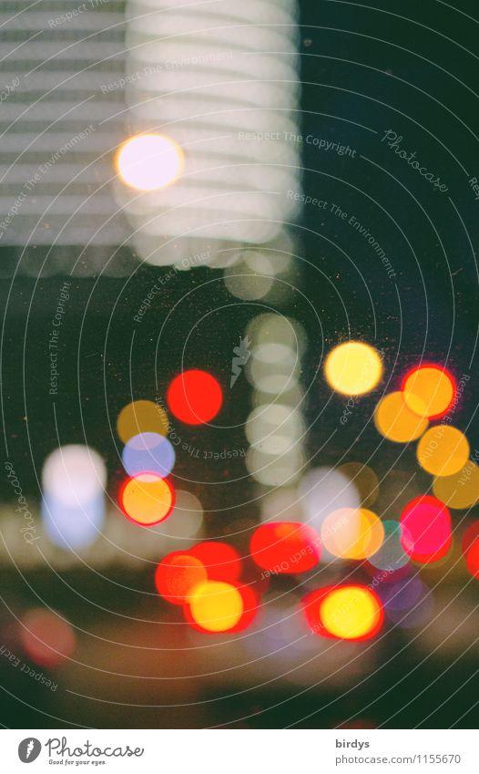 Stadtlichter Stadt Beleuchtung Stadtleben leuchten PKW Verkehr Hochhaus ästhetisch Surrealismus Ampel Straßenverkehr