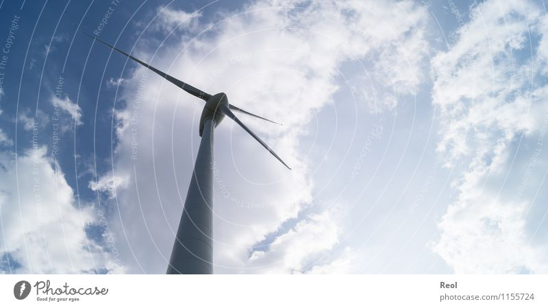 Windrad Technik & Technologie Fortschritt Zukunft Energiewirtschaft Erneuerbare Energie Windkraftanlage Himmel Wolken Schönes Wetter blau weiß Energietechnik
