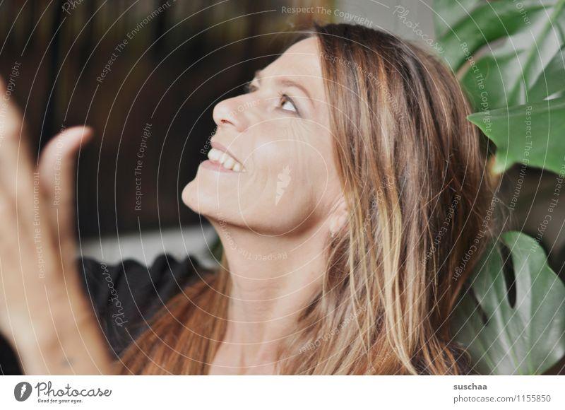 1000 Kopf Frau Gesicht Profil Auge Nase Mund Haare & Frisuren langhaarig brünett lachen Freude fangen