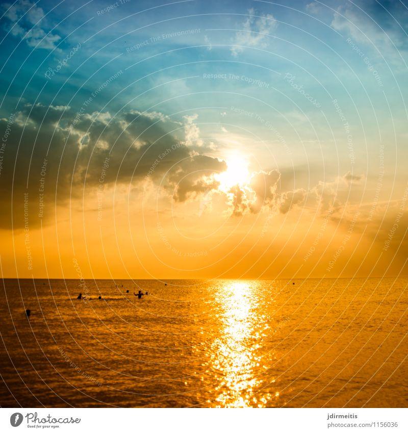 Abend am Meer Himmel Natur Ferien & Urlaub & Reisen Sommer Wasser Sonne Erholung Landschaft Wolken Strand Ferne Umwelt Küste Freiheit Schwimmen & Baden