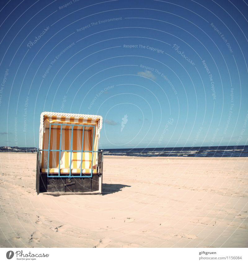 sorry,we're closed Umwelt Natur Landschaft Urelemente Sand Wasser Himmel Wolken Horizont Sonne Frühling Sommer Schönes Wetter Wellen Küste Strand Ostsee Meer
