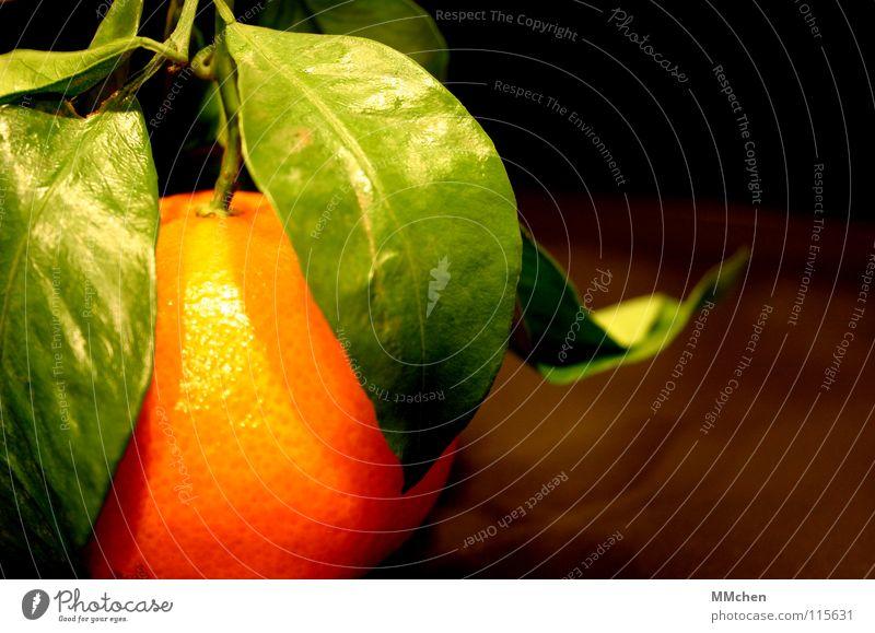 Hmmmma...ndarine Mandarine Blatt frisch grün ungeschält spritzen Spanien Brasilien Vitamin Zitrusfrüchte Frucht Vegetarische Ernährung orange Stengel Frischobst