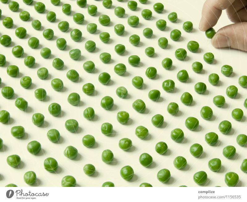 Erbsen zählen Gesunde Ernährung Leben Gesundheit Gesundheitswesen Glück Lebensmittel Finger Idee Wellness Gemüse Bioprodukte Vegetarische Ernährung Diät Vitamin