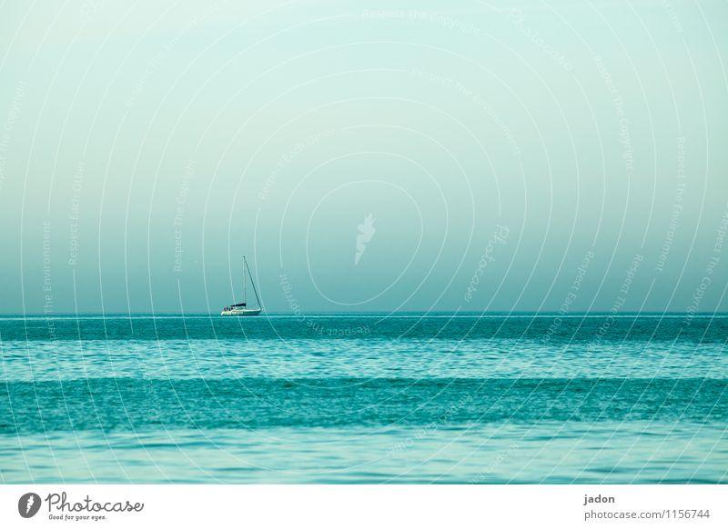 meerschichtig. Freizeit & Hobby Angeln Segeln Tourismus Ausflug Kreuzfahrt Meer Wellen Natur Wasser Wolkenloser Himmel Horizont Schönes Wetter Atlantik