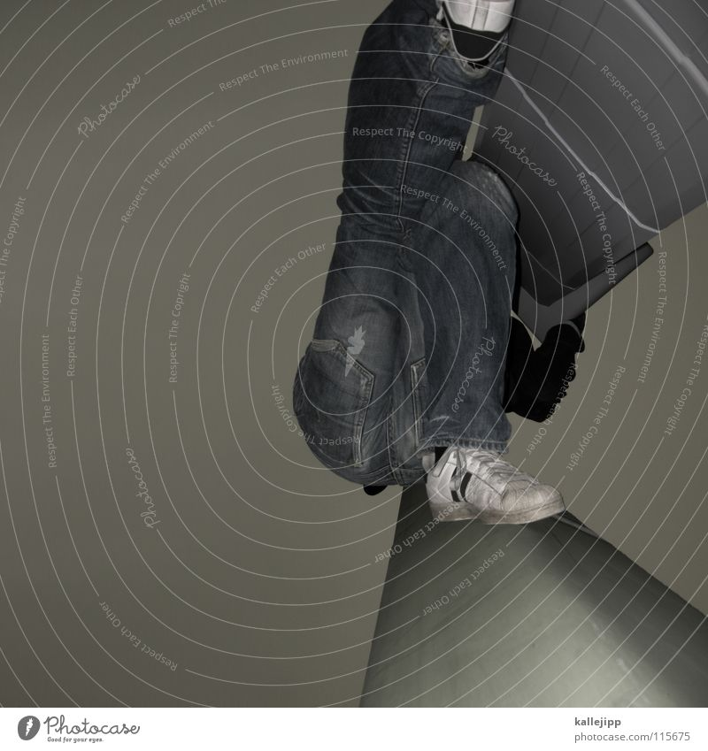 plattfuss Mensch Himmel Mann Hand Haus Berge u. Gebirge Gefühle springen Luft Fassade Freizeit & Hobby hoch frei gefährlich Hochhaus Aktion