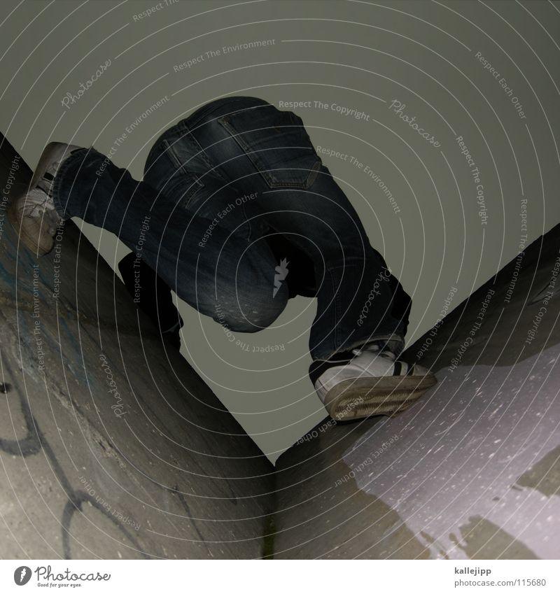 plattengratwanderung Mensch Himmel Mann Hand Haus Berge u. Gebirge Gefühle springen Luft Fassade Freizeit & Hobby hoch frei gefährlich Hochhaus Aktion