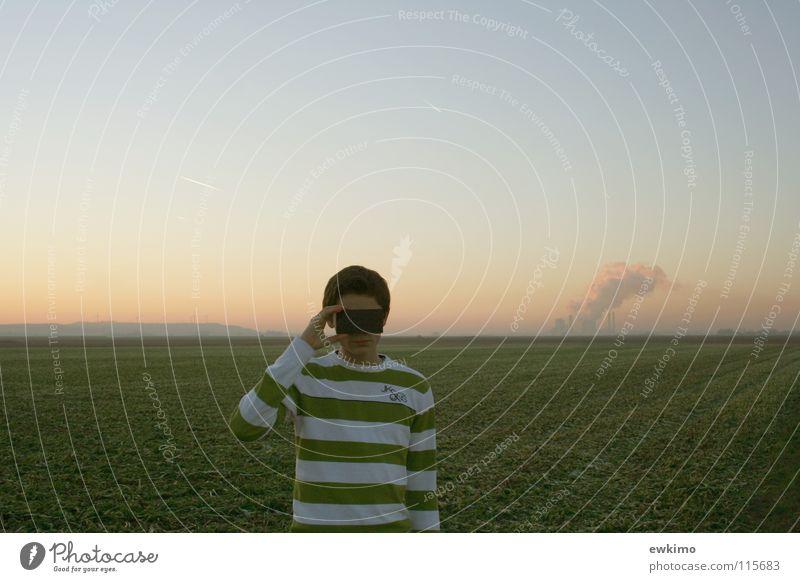Land in Sicht..? Sonne Winter Jugendliche Natur Himmel Wolken Horizont Herbst Pflanze Nutzpflanze Feld Dorf Industrieanlage Heizkraftwerk Schornstein Pullover
