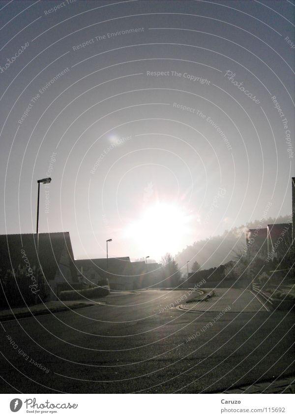 Morgensonne4 Sonnenaufgang kalt Sonnenstrahlen Licht blenden Steigung hell Verkehrswege Himmelskörper & Weltall Winter Straße Frost Klarheit Wege & Pfade Lampe