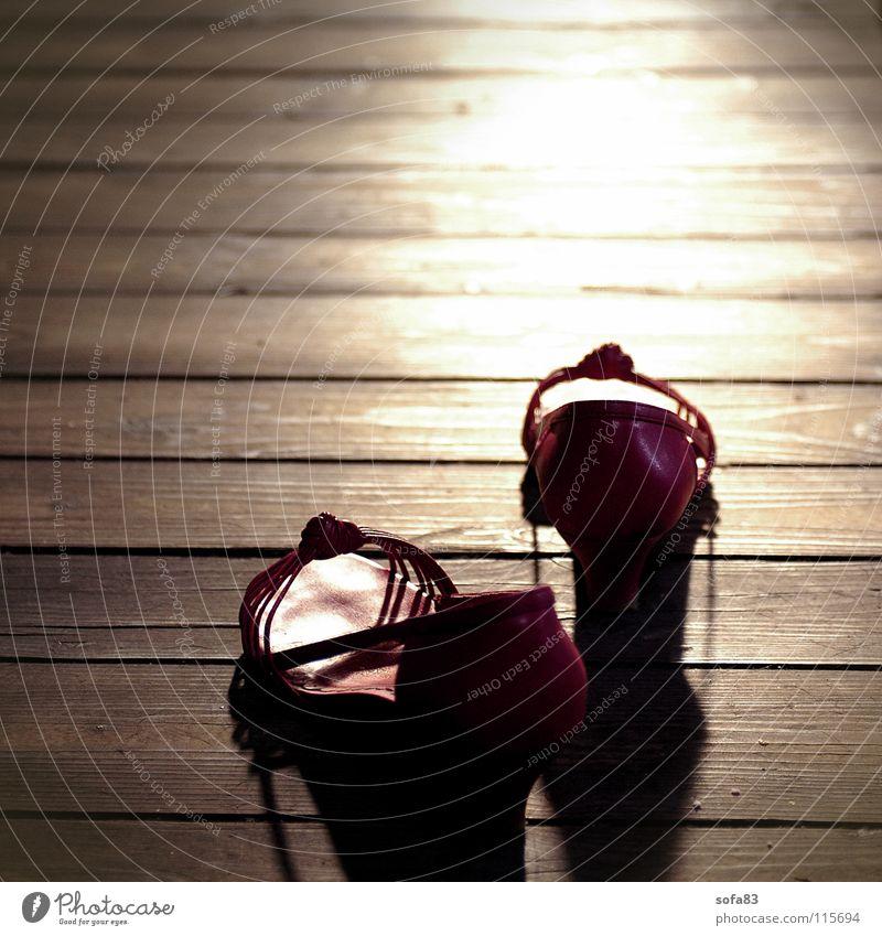 wir gehn dann mal Sonne rot Sommer Schuhe Bekleidung Reichtum Flur Abenddämmerung