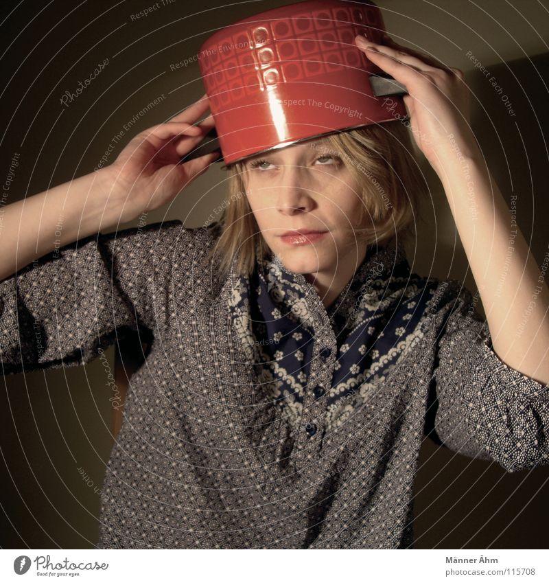 Oh du töpfliche. Frau kochen & garen Koch Küche Topf Hausfrau Gastronomie rot Leidenschaft Kopf Hut