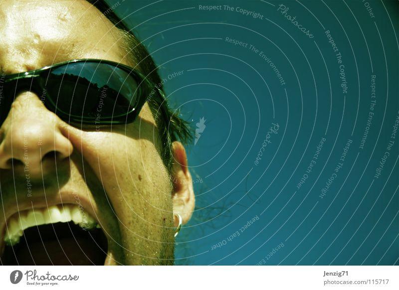 Hör doch mal zu! schreien sprechen Brille Sonnenbrille Mann Argument Argumente Gesicht Portät glasses sunglasses face talk cry