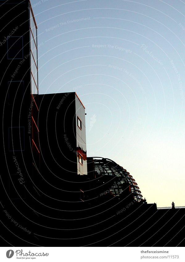 Berliner Häuser Architektur Glas Fassade modern Blauer Himmel Deutscher Bundestag Kuppeldach