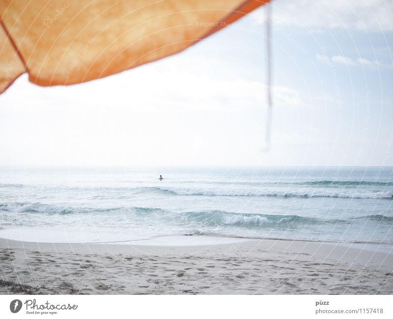 Immer noch Urlaub Mensch Himmel Ferien & Urlaub & Reisen blau Sommer Wasser Sonne Erholung Meer Freude Strand gelb Wärme Küste Schwimmen & Baden Sand