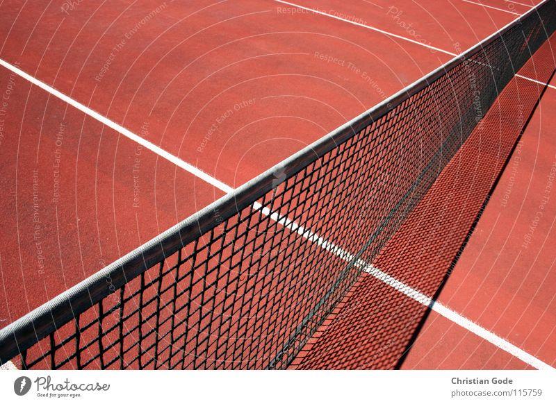 Spiel, Satz und Sieg Tennis Sportplatz Spielfeld Aufschlag rot Linie Sommer Volleyball schlagen Spielen Strukturen & Formen reserviert Grundlinie