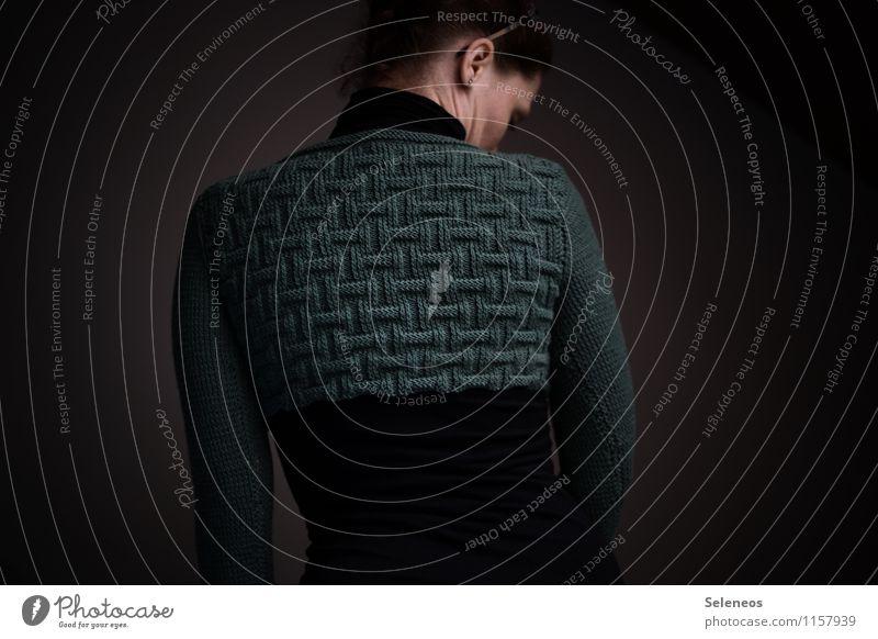 Maschenarbeit Freizeit & Hobby Handarbeit stricken Mensch feminin Frau Erwachsene Ohr Rücken 1 Mode Bekleidung Wärme weich Linie Strickjacke Farbfoto