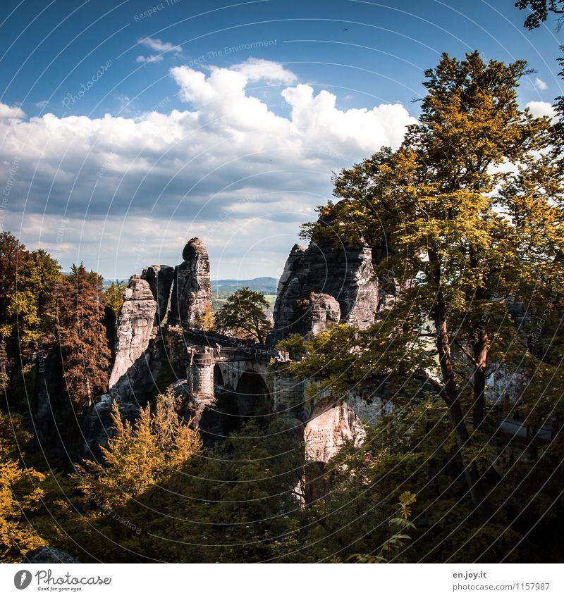 langlebig | aus Stein gemeißelt Mensch Himmel Natur Ferien & Urlaub & Reisen Sommer Baum Landschaft Wolken Herbst Wege & Pfade Felsen Tourismus Ausflug