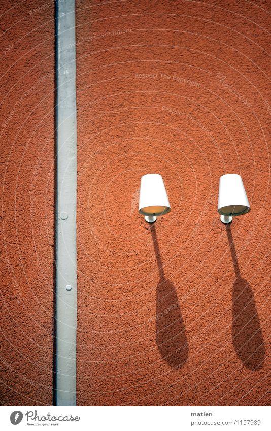 lampshade weiß Wand Mauer grau Lampe braun Fassade ästhetisch Schattenspiel Lampenschirm verdunkeln Außenbeleuchtung