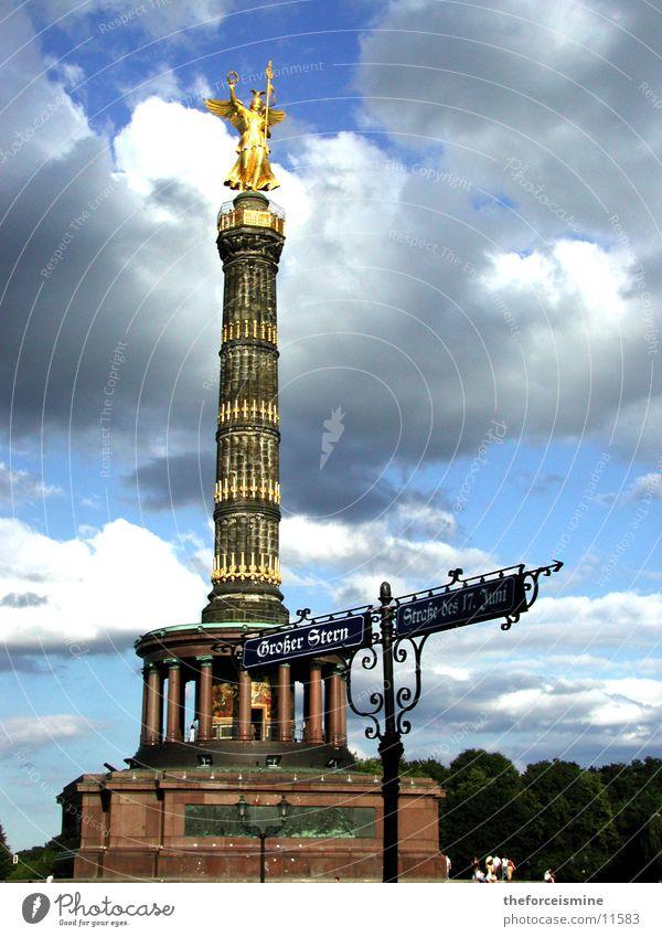 Siegessäule Berlin gold Erfolg Freizeit & Hobby Statue Vergangenheit historisch Säule Blauer Himmel Straßennamenschild