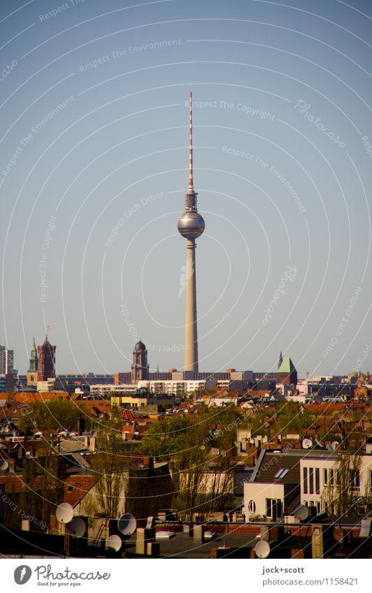 Fernsehturm 368 Meter Wolkenloser Himmel Frühling Schönes Wetter Neukölln Hauptstadt Stadtzentrum Sehenswürdigkeit Wahrzeichen Berliner Fernsehturm