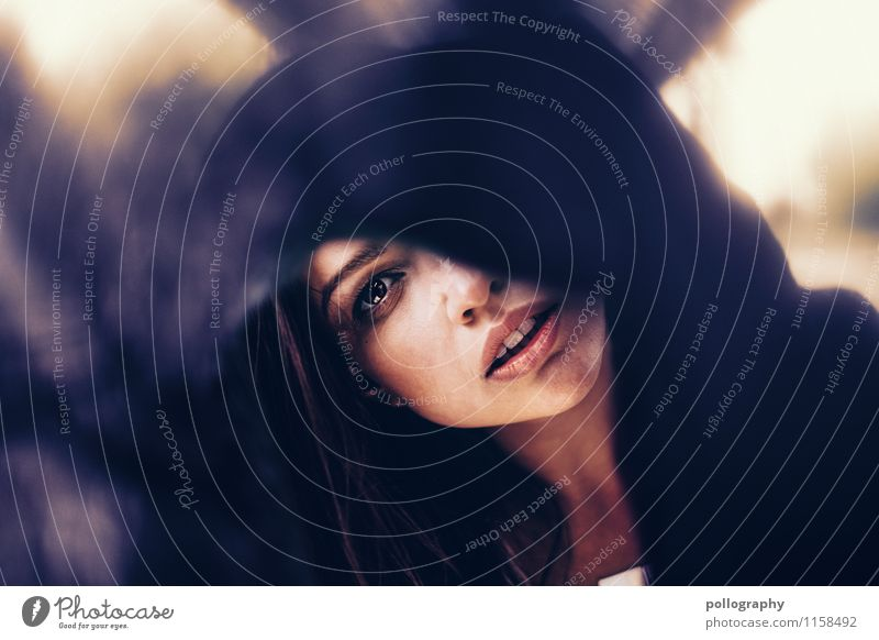 Tunnelblick Mensch Frau Jugendliche schön Junge Frau 18-30 Jahre Erwachsene Auge Leben Gefühle feminin Glück Stimmung Kopf Körper Fröhlichkeit