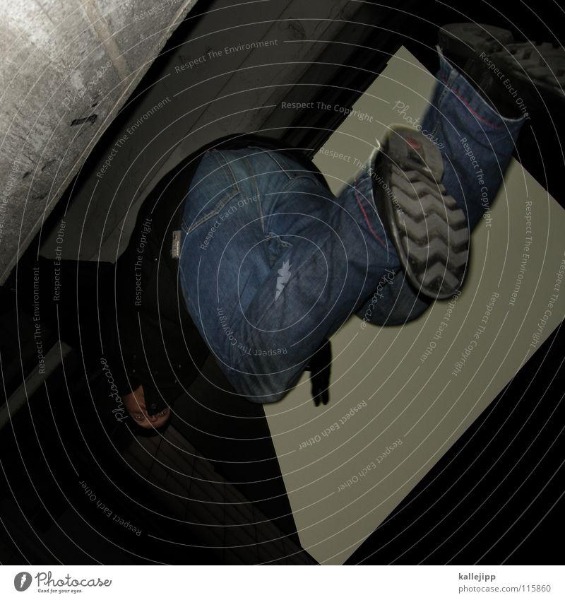 affensprung Le Parkour Plattenbau Haus Mieter Selbstmörder springen Freestyle Aktion Himmel Limit Surfer Luft Klettern Fassade Freeclimber Hochhaus Hand Mann