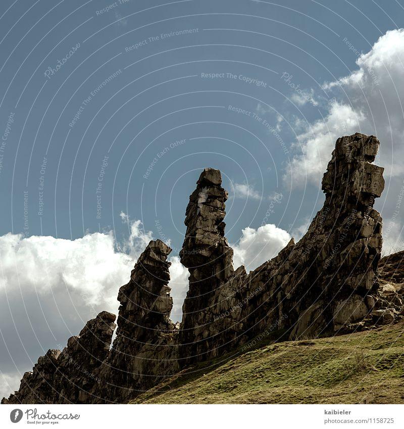 Dreifaltigkeit Ferien & Urlaub & Reisen Tourismus Ausflug Berge u. Gebirge Natur Landschaft Himmel Wolken Frühling Schönes Wetter Gras Felsen bedrohlich eckig