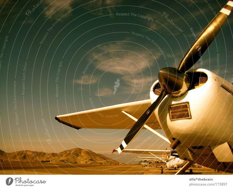 Flugzeug Maschine Propeller Ferien & Urlaub & Reisen Ferne Erholung Freizeit & Hobby fliegen Wüste