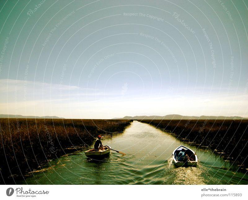 Dem Horizont entgegen See Wasserfahrzeug Sonnenuntergang Fluss Boot fahren Titicacasee Schilff