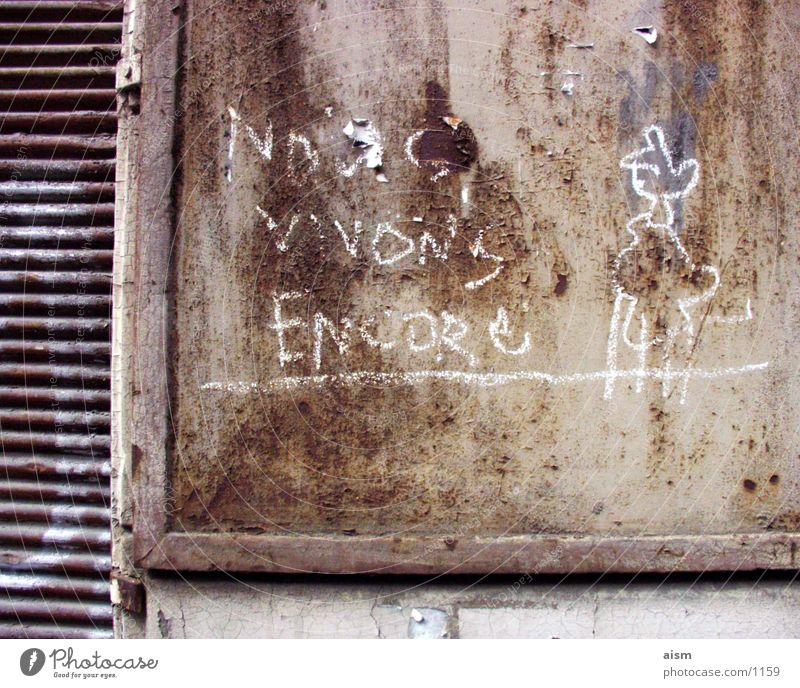nve alt Wand Graffiti Mauer Verfall