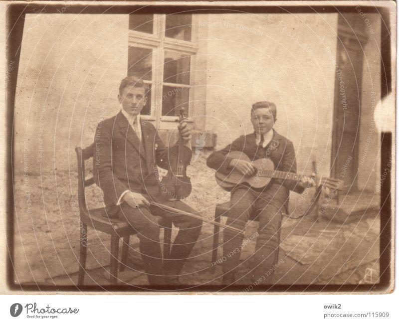 Bevor sie den Rock'n Roll erfanden Mensch Jugendliche alt Junger Mann Stil Kunst Paar Freundschaft Musik sitzen Kultur historisch Vergangenheit Veranstaltung