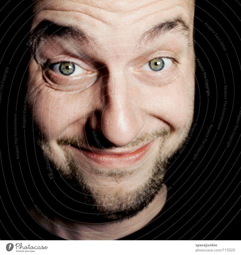 Im neuen Jahr wird alles schöner! Mann Porträt lustig Humor skurril Überraschung Wahnsinn verrückt skeptisch Freude grinsen lachen Agnostiker