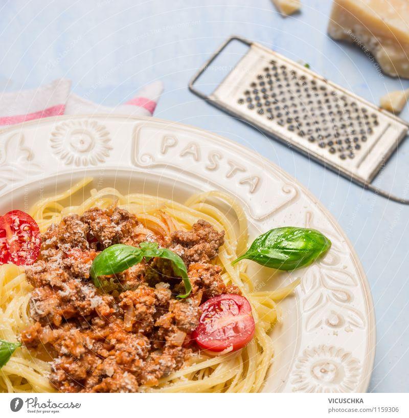 Spaghetti Bolognese, Klassiker aus Italien Lebensmittel Fleisch Gemüse Teigwaren Backwaren Kräuter & Gewürze Öl Ernährung Mittagessen Festessen Bioprodukte Diät