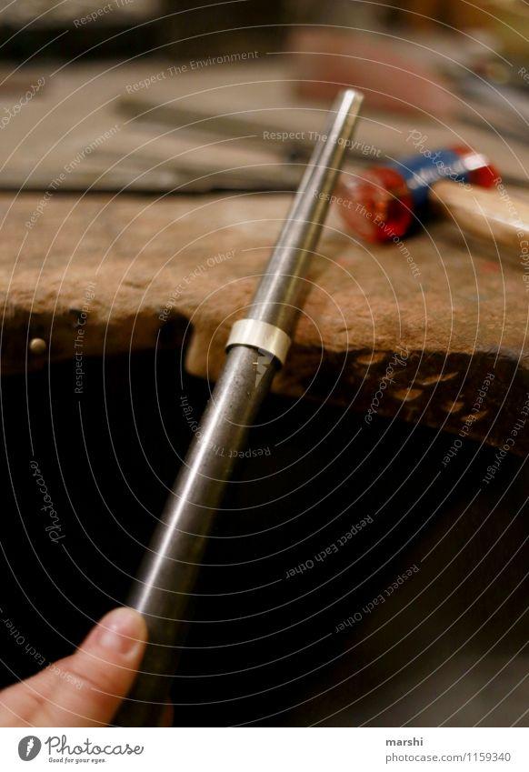 Ring schmieden I Freizeit & Hobby Arbeit & Erwerbstätigkeit Beruf Handwerker Stimmung Werkzeug Schmiedekunst Kreis Schmuck Hammer Kunst silber Kreativität
