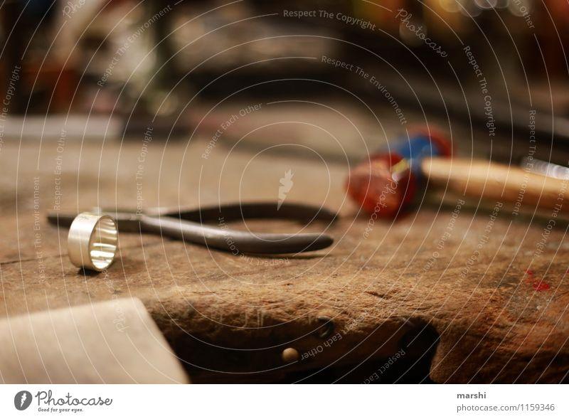 Ring schmieden IV Freizeit & Hobby Arbeit & Erwerbstätigkeit Beruf Handwerker Zeichen Stimmung Werkstatt Werkzeug Schmiede Schmiedekunst Kreis Ehering silber