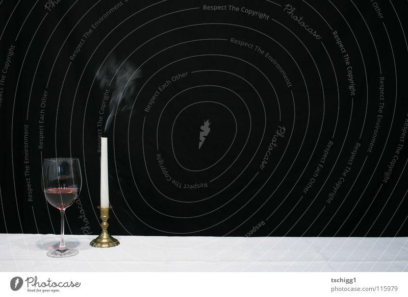 Ex-Candlelightdinner Kerze Tisch Rotwein rot weiß schwarz Gastronomie Alkohol Ernährung candlelight candlelightdinner Wein Tischwäsche