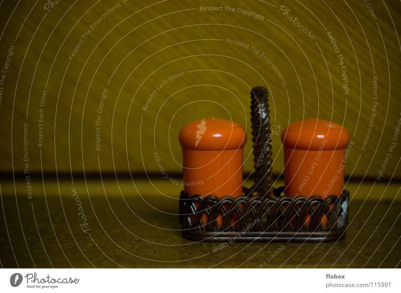 Liebe Omi.. Stil orange modern retro Küche Kunststoff Kräuter & Gewürze Vergangenheit Statue Siebziger Jahre Sechziger Jahre Salz früher altmodisch Pfeffer