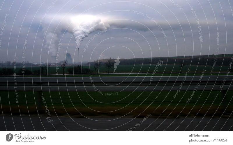 Cloudy Day Wolken Nebel Fabrik Horizont grau trüb Abgas Industrie Himmel blau Wasserdampf