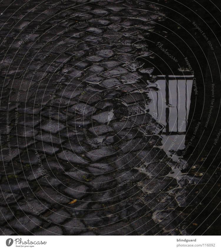 Whitechapel November 1888 dunkel nass Kopfsteinpflaster alt Reflexion & Spiegelung Mitternacht Nacht Mosaik Wasser Verkehrswege Regen 19. jahrhundert