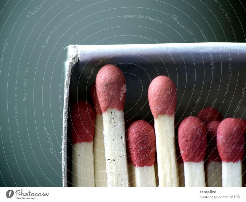 matchbox Handwerk Lautsprecher Papier Holz rot Kreativität Streichholz Schachtel anzünden Feuerzeug Haushalt brennen Pappschachtel Karton zündeln Brand brennbar