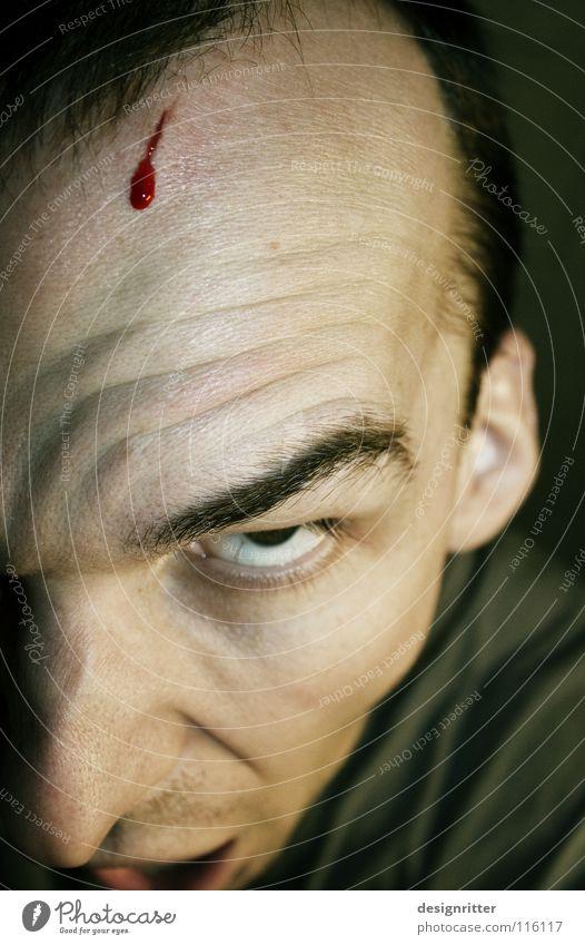 Explosionsgefahr Kopf verrückt Aktion gefährlich Wut geheimnisvoll Blut Ärger Aggression Reaktionen u. Effekte Schlag geschnitten Wahnsinn Stirn Wunde
