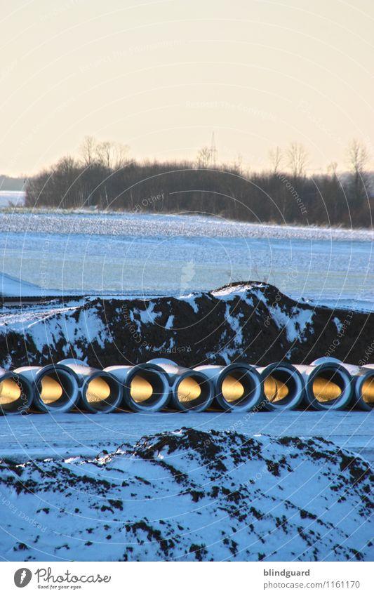 A light in the black Umwelt Natur Landschaft Erde Himmel Eis Frost Schnee Feld Wald Hügel Straße Stein Sand Beton bauen blau gelb schwarz Abwasserkanal