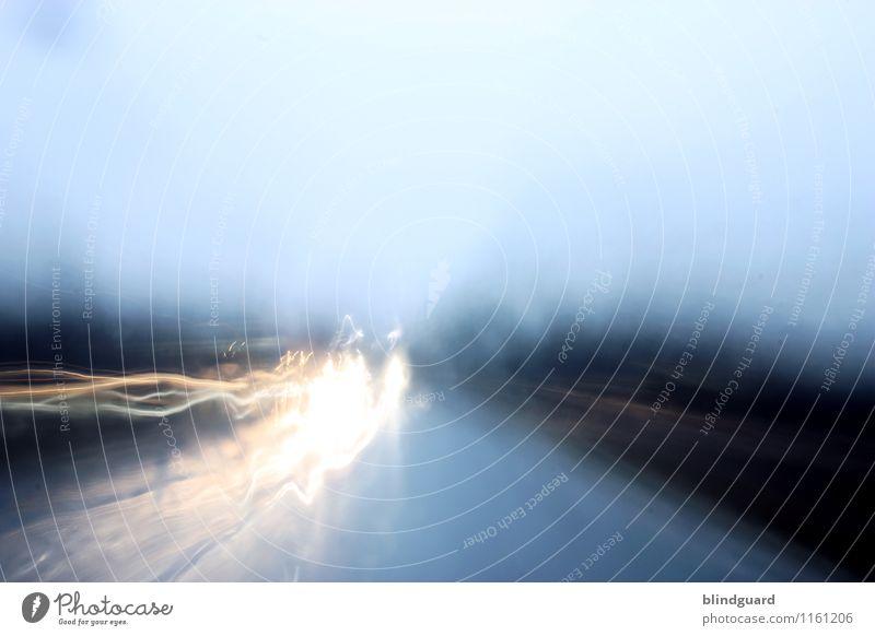 Strangers in the Night blau weiß schwarz Straße gelb PKW Geschwindigkeit Sicherheit fahren Verkehrswege Fahrzeug Autofahren Straßenverkehr Verkehrsmittel