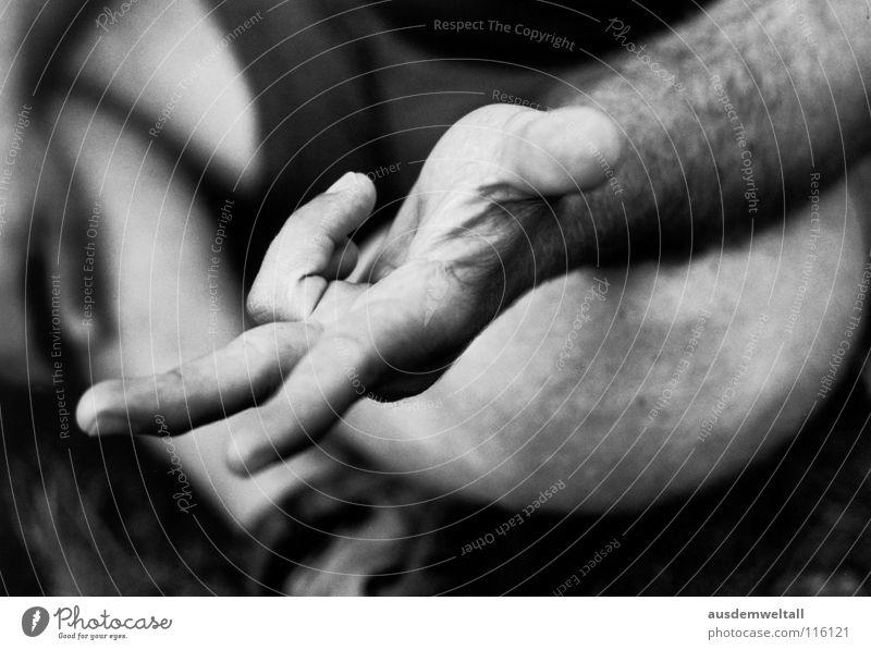 1+1+1=3 Mensch Hand Gefühle maskulin Körperteile