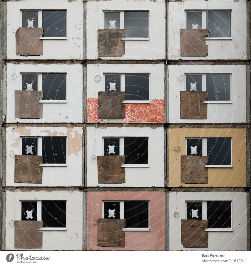 500 Häusliches Leben Wohnung Haus Hausbau Renovieren Bauwerk Gebäude Architektur Mauer Wand Fassade Fenster Stein Beton Holz Glas Linie alt ästhetisch dreckig