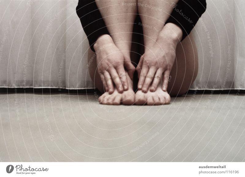 Kopflos feminin analog Hand Mensch Gefühle körperdetaile planen Fuß Innenaufnahme