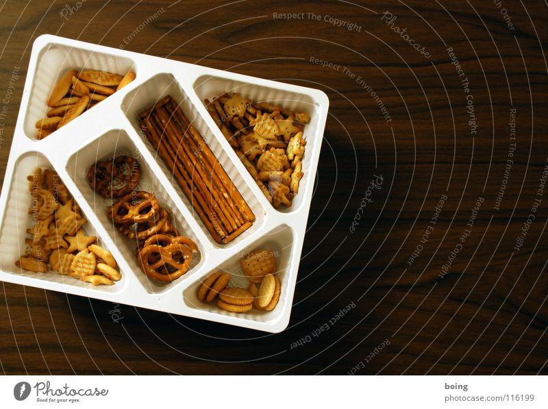 feste Nahrung D Feste & Feiern Lebensmittel Geburtstag Ernährung Tisch Elektrizität Stern (Symbol) Fisch Bar Silvester u. Neujahr Gastronomie trocken Karneval Mohn lecker Fett