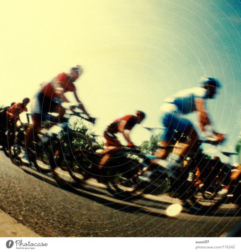 étape courte mais intense Sport Spielen Fahrrad Sportmannschaft Verkehrswege Ferien & Urlaub & Reisen Frankreich Fahrradfahren Rennsport Mountainbike Fahrradtour Rundfahrt Lomografie Radrennen Doping Rennrad