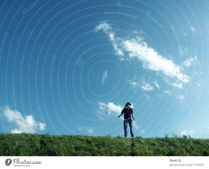 the fool on the hill ² Mensch Himmel Mann blau grün Sommer Sonne Wolken schwarz Wiese springen Linie blond Arme Schönes Wetter frisch