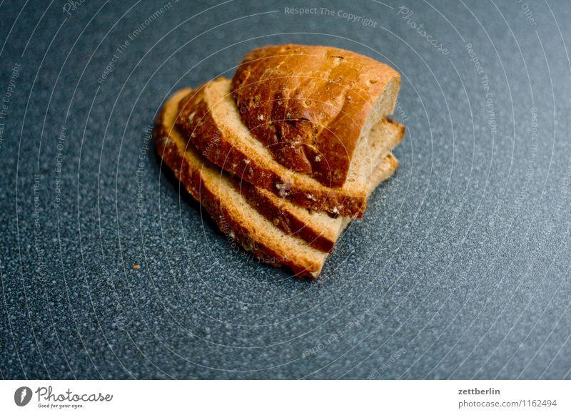 Geschnitten Brot Belegtes Brot Gesunde Ernährung Speise Essen Foodfotografie trocken Stapel Kohlenhydrate Bäcker Backwaren Herz herzförmig satt Appetit & Hunger